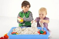 5 увлекательных игр с песком и другим сыпучим материалом для вашего ребенка