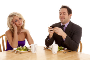 Texting-during-Dinner